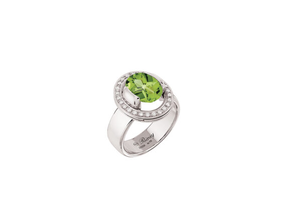 Poiray Ma Préférence ring mounted on white gold with diamonds and peridot