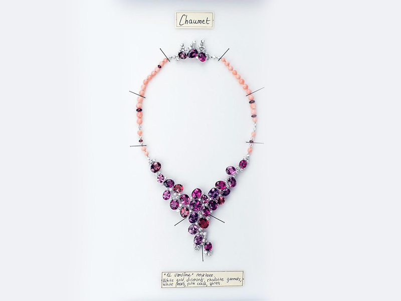 Chaumet 12 vendôme necklace white gold diamonds rhodtite garnets, white pearls