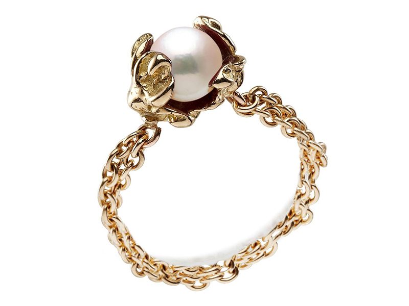 Anais Rheiner Yellow Gold Chain Ring set with white akoya pearl - 670 Euros