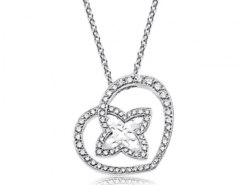 3-Louis Vuitton subtely used his monogram design to shape a heart pendant paved in diamonds on white gold.(~ 3'500 Euros)