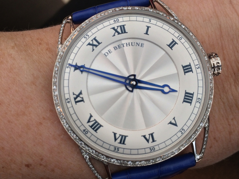 3- De Bethune did a wonderful job with the DB25 Snow-white re-working on thinner horns and a snowfall setting on the bezel.