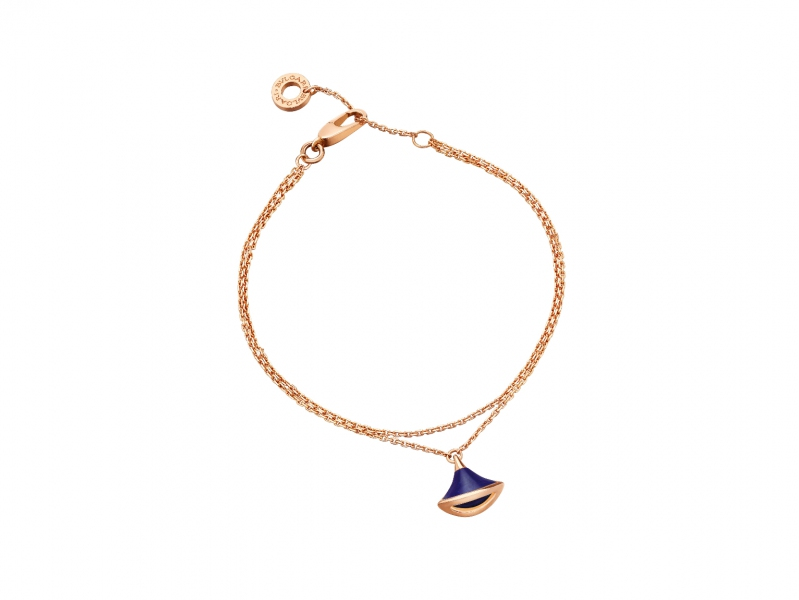 Bvlgari diva's dream bracelet in rose gold with pendant set with laps lazuli