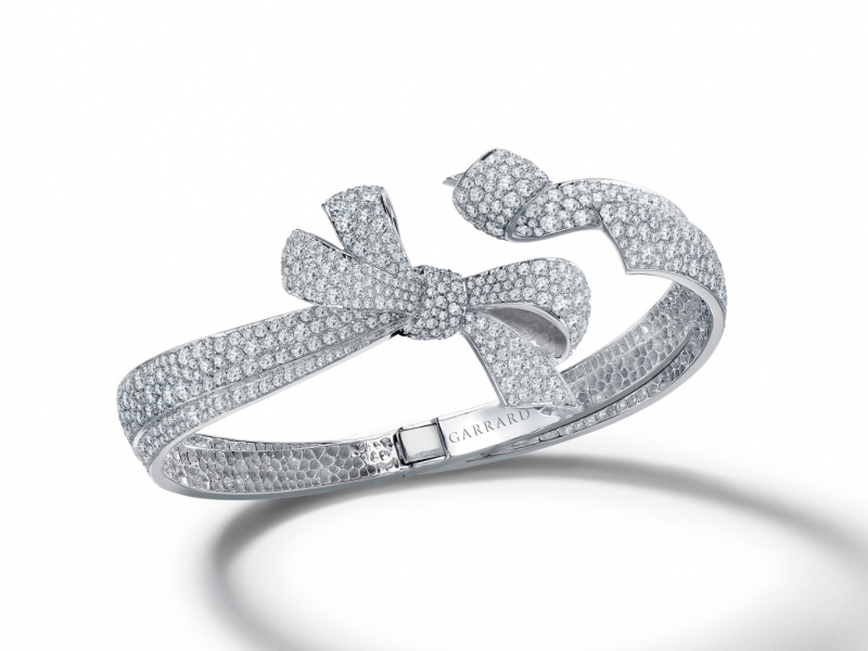 Garrard The Bow - Open bracelet set on white gold with diamonds