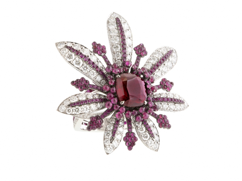 John Rubel Vies de Boheme collection - La Divine set with 4.03 Ruby from Mozambique