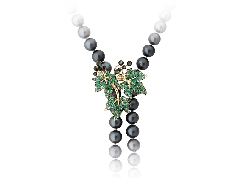 Morphee Joaillerie Millesime necklace set with black and white pearl degrade