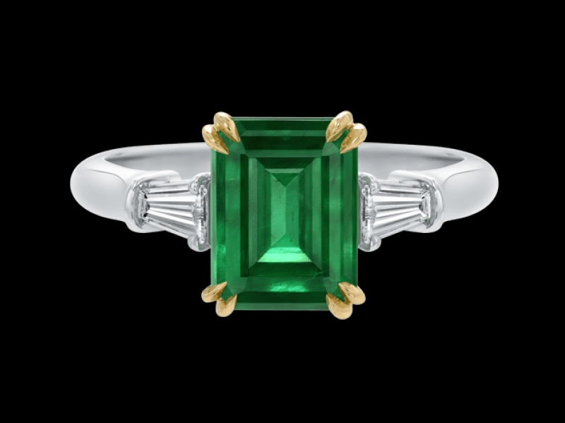 Harry Winston engagement ring platinum yellow gold emerald
