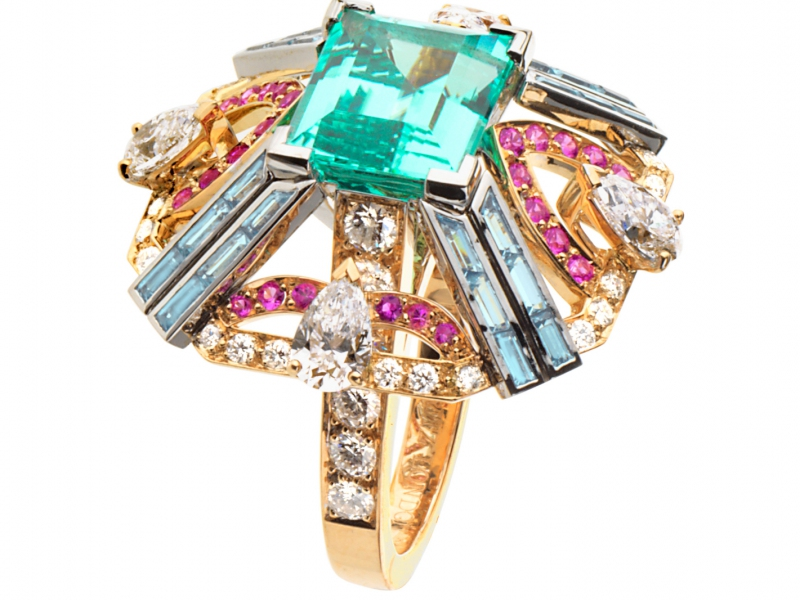 Ritz Fine Jewellery Paraiba Ring with a 5.32 carats central stone set in rose gold with aquamarines, sapphires, pink sapphires and diamonds - £75'000