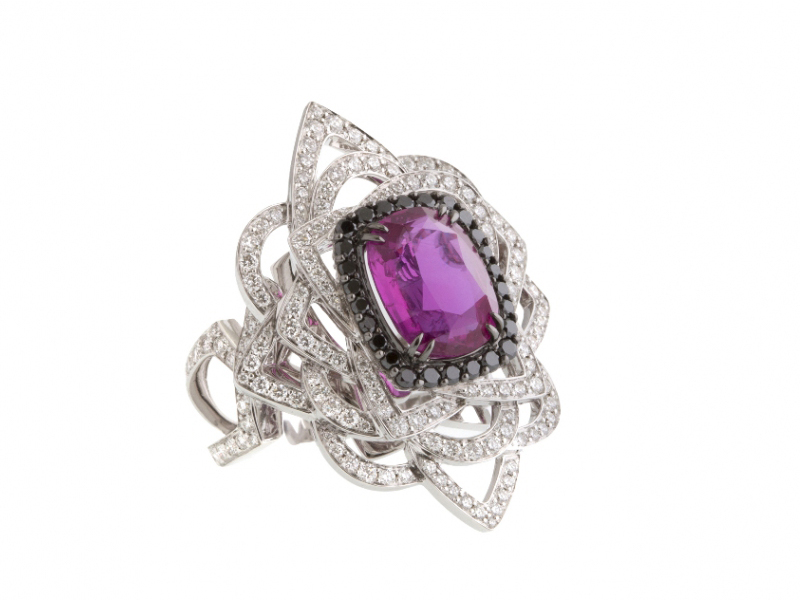 John Rubel JOLIE MÔME ring made of pink sapphire, white gold & diamonds.