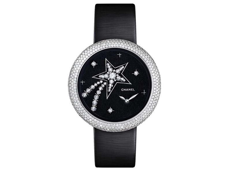 Chanel worked with Atelier Lesage for the embroideries on some watches that are a must-seen.