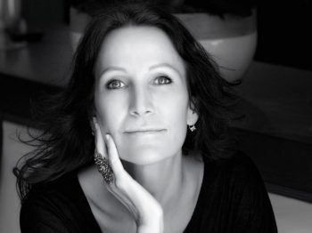 A talk with Liliane Jossua: Does the Avenue Montaigne still sell diamonds for this end of year ?