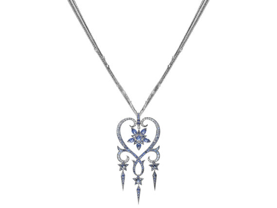 Stephen Webster - Belle Epoque pendant mounted on white gold with blue sapphires