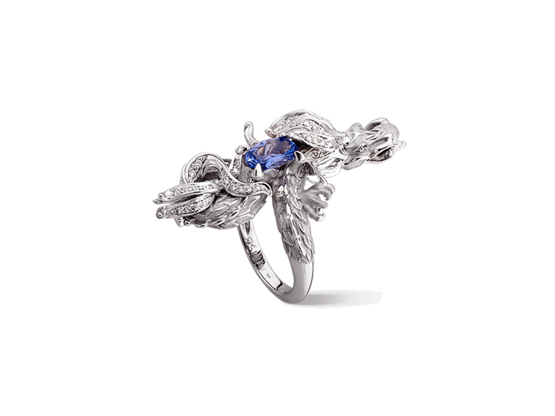 Carrera y Carrera Dragon de Fuego ring mounted on white gold with tanzanite and diamonds