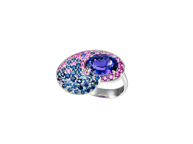 Lisi Lopez Ring mounted on grey gold with tanzanite (5cts) with blue et rose sapphires
