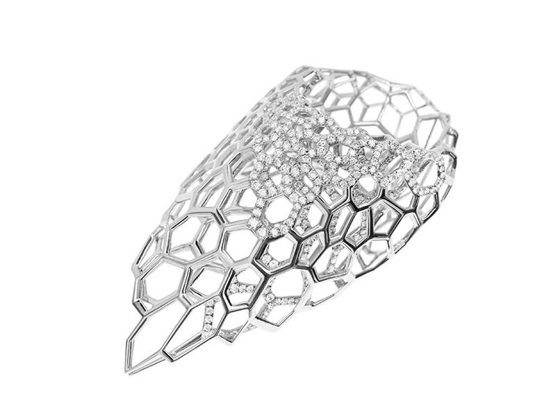 Arlène Bonnant & Zaha Hadid gold ring diamonds
