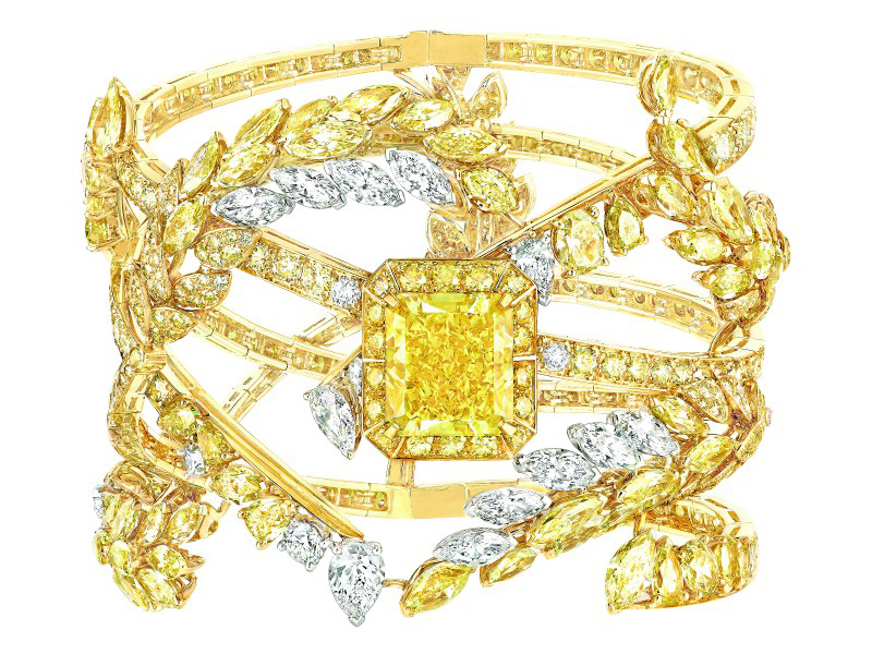 Chanel Fête des Moissons bracelet mounted on white and yellow gold set with an 11.1-carat yellow diamond, 45 fancy-cut multicolor diamonds, 564 brilliant-cut yellow diamonds, 3 pear-cut diamonds, 9 marquise-cut diamonds, 17 brilliant-cut diamonds and 2 marquise-cut fancy intense yellow diamonds