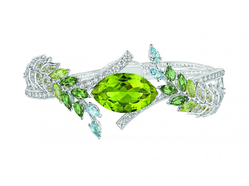 Chanel Brins de Printemps bracelet mounted on white gold set with a 9.8-carat marquise-cut peridot, 4 marquise-cut peridots, 6 marquise-cut green tourmalines, 233 brilliant-cut diamonds, 4 pear-cut aquamarines and 2 pear-cut green tourmalines