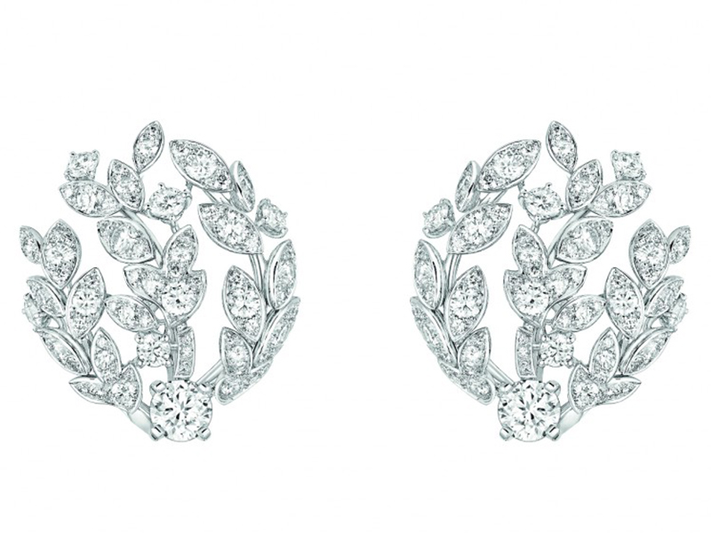Chanel Premiers Brins earrings mounted on white gold set with 152 brilliant-cut diamonds for a total weight of 2.7 carats