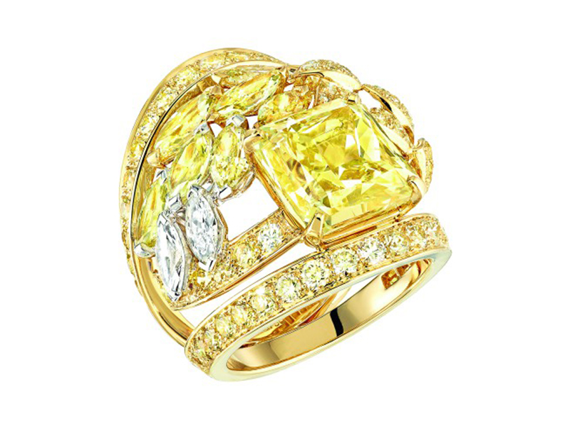 Chanel Fête des Moissons ring mounted on white and yellow gold set with a 6.5-carat cut-cornered rectangular-modified brilliant-cut fancy intense yellow diamond, 7 fancy-cut multicolored diamonds, 101 brilliant-cut yellow diamonds, 2 marquise-cut diamonds and 2 brilliant-cut diamonds
