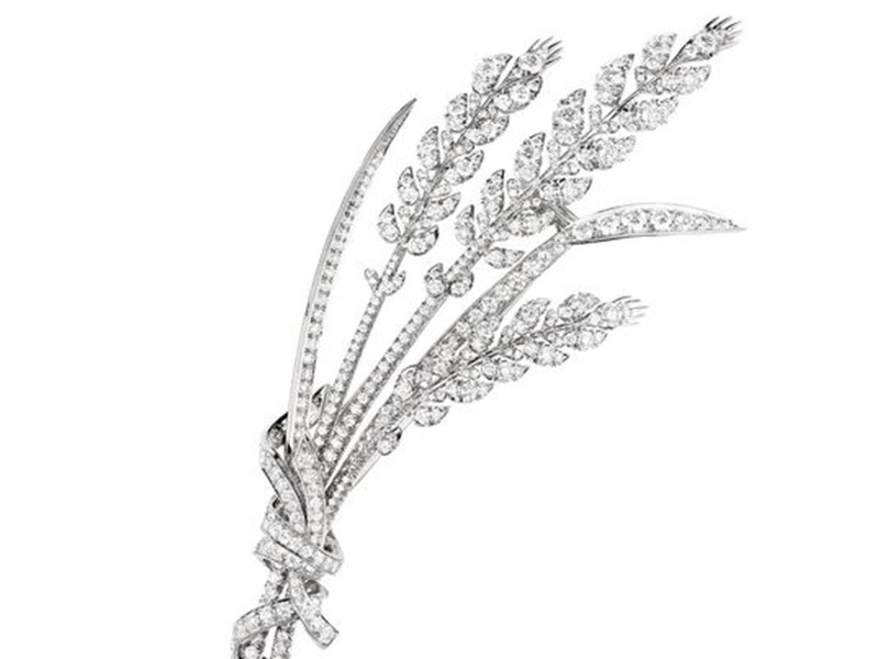 Chaumet Detail of Blé d'été necklace