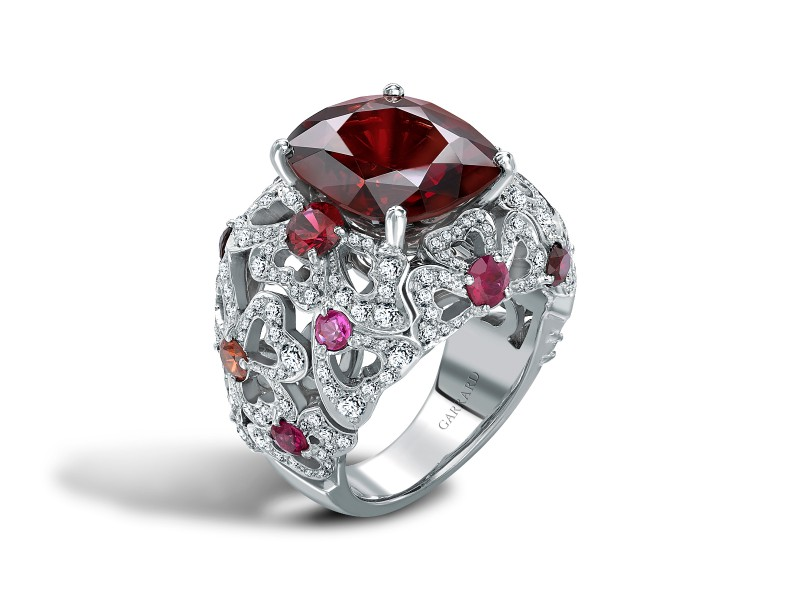 Garrard The Red Spinel weights 9.96 carats and is surrounded by pink tourmalines, pink sapphires and rubellites.