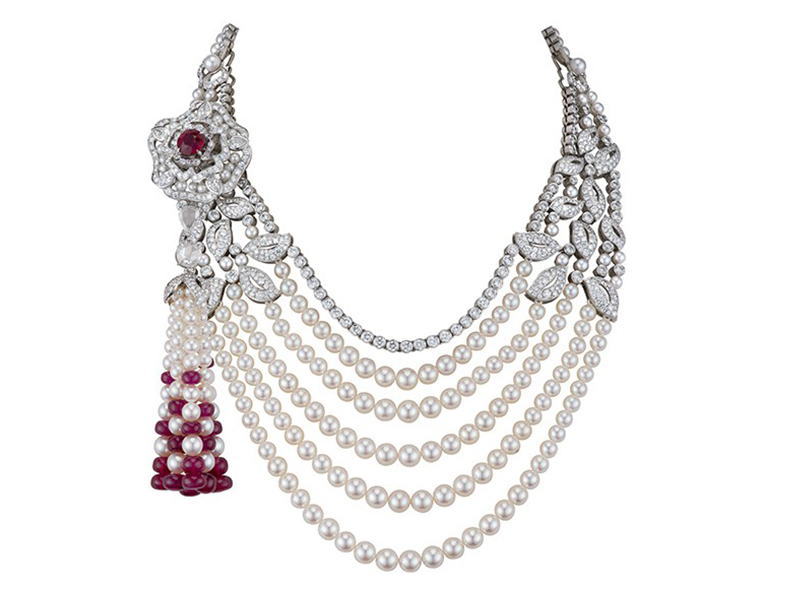 Garrard Pendant mounted on white gold with rubies, pearls and diamonds