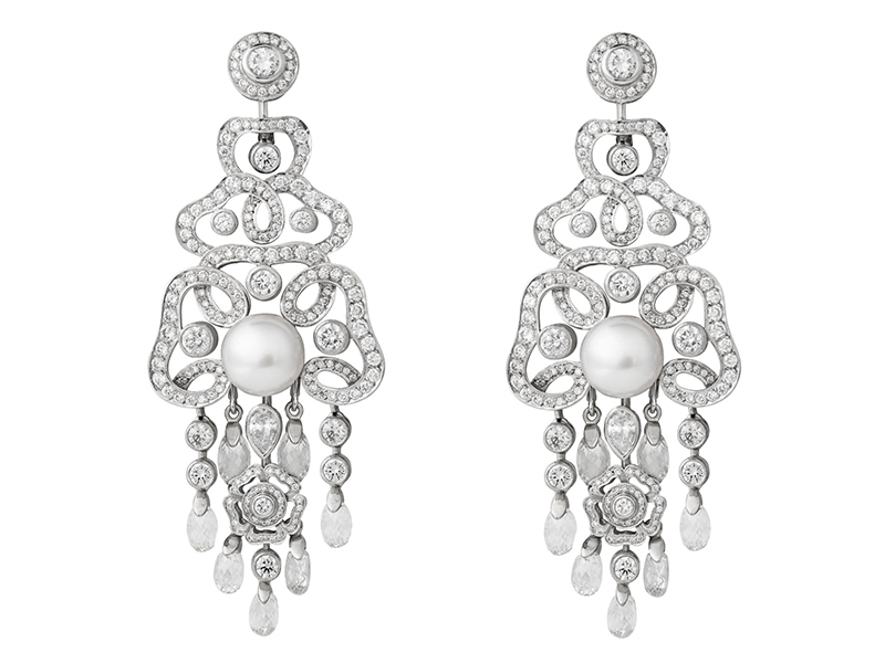 Garrard Earrings mounted on white gold with a pearl and diamonds