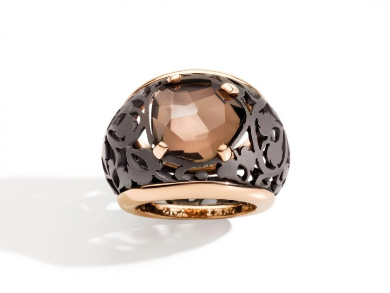 Pomellato Ring from arabesque noir collection mounted on titanium and rose gold