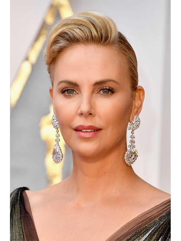 Chopard Charlize Theron wore earrings from The Garden of Kalahari collection