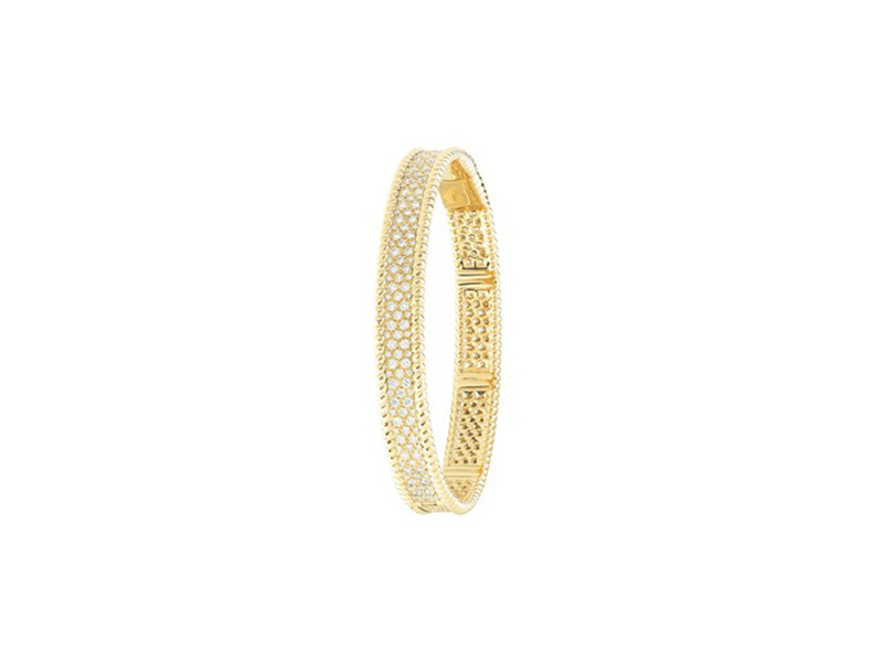 Van Cleef & Arpels From the Perlée collection mounted on yellow gold 18 carats and paved with round diamonds, medium size ~38'000€