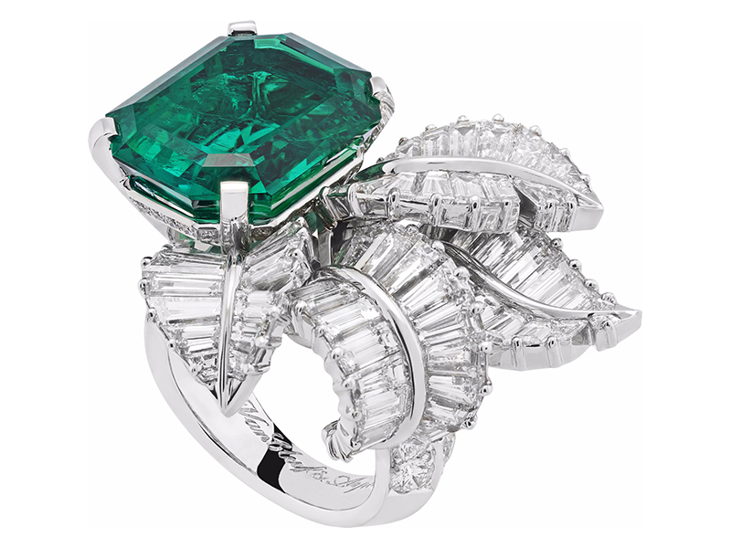 Van Cleef & Arpels Canopée ring mounted on white gold, platinum, round and baguette-cut diamonds, one emerald-cut emerald of 13.52 carats (Colombia)