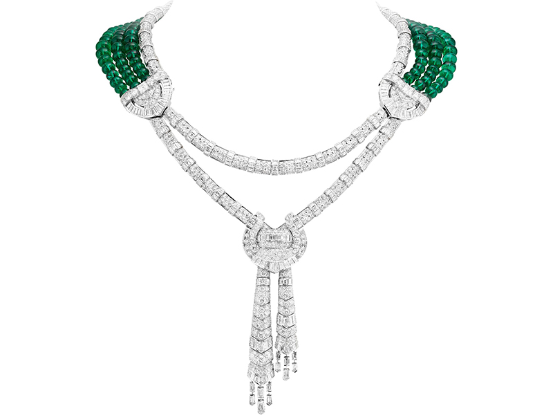 Van Cleef & Arpels Drapé majestueux necklace mounted on white gold, round, square-cut, asscher-cut, baguette-cut and obus-cut diamonds, 150 emerald beads for a total of 244.24 carats (Zambia). Reversible necklace.