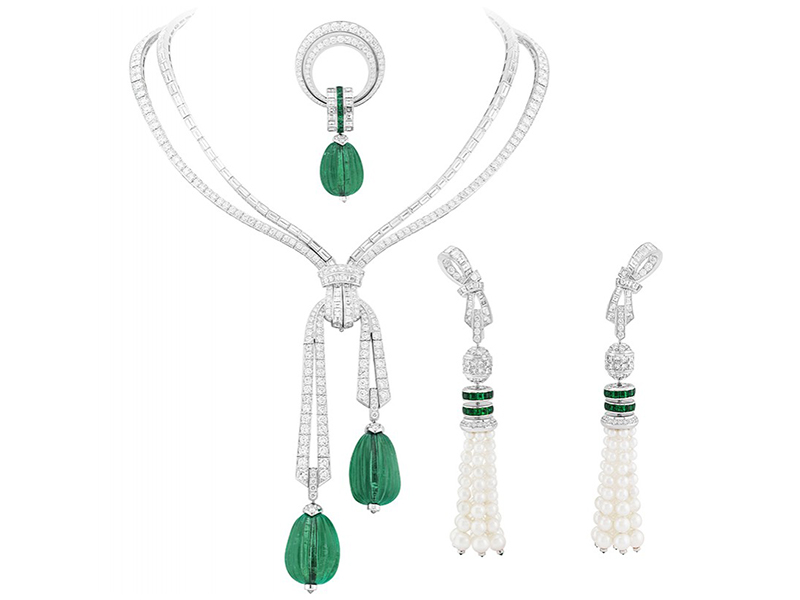 Van Cleef & Arpels Grand opus set mounted on white gold, round, baguette-cut and princess-cut diamonds, buff-topped square-cut emeralds, white cultured pearls, 3 carved emeralds for 127.88 carats (Colombia). Transformable necklace, earrings and clip with detachable pendants.