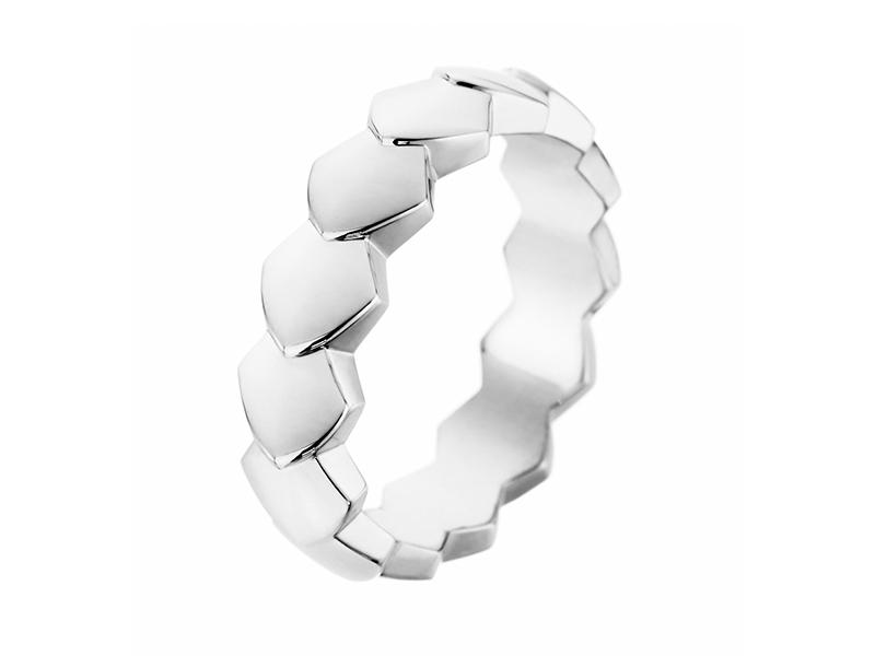 Akillis Python ring mounted on white gold