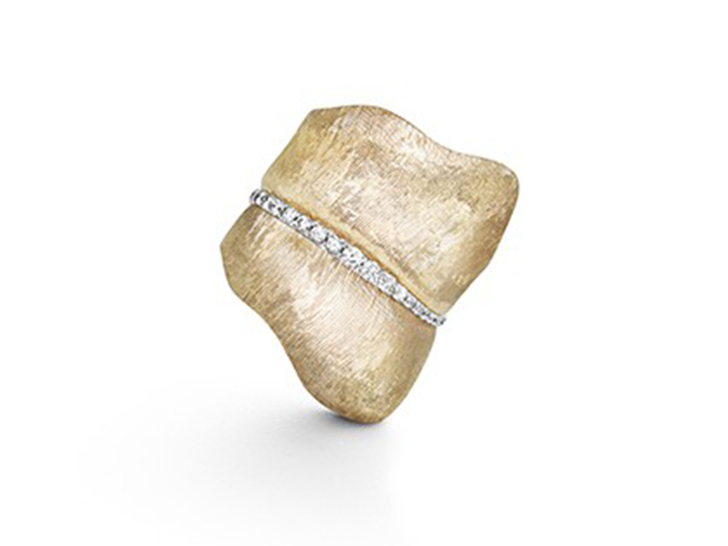 Ole Lynggaard Copenhagen Ring mounted on yellow gold with 48 diamonds