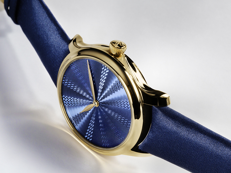 H.Moser Endeavour - Concept Blue Guioché - with yellow gold case