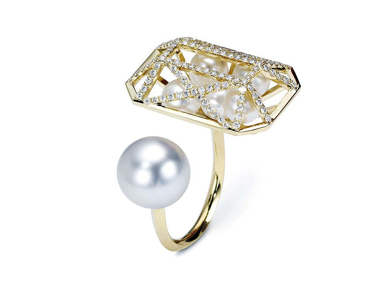 Melanie Georgacopoulos From Couture collection - Couture Emerald ring mounted on 18ct yellow gold with white diamonds 6-7mm white fresh water pearls and 12mm south sea pearl