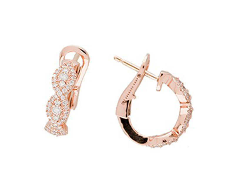 Aude Lechere These beautiful earrings from Amant collection are available at the Pop Up - CHF 3'880