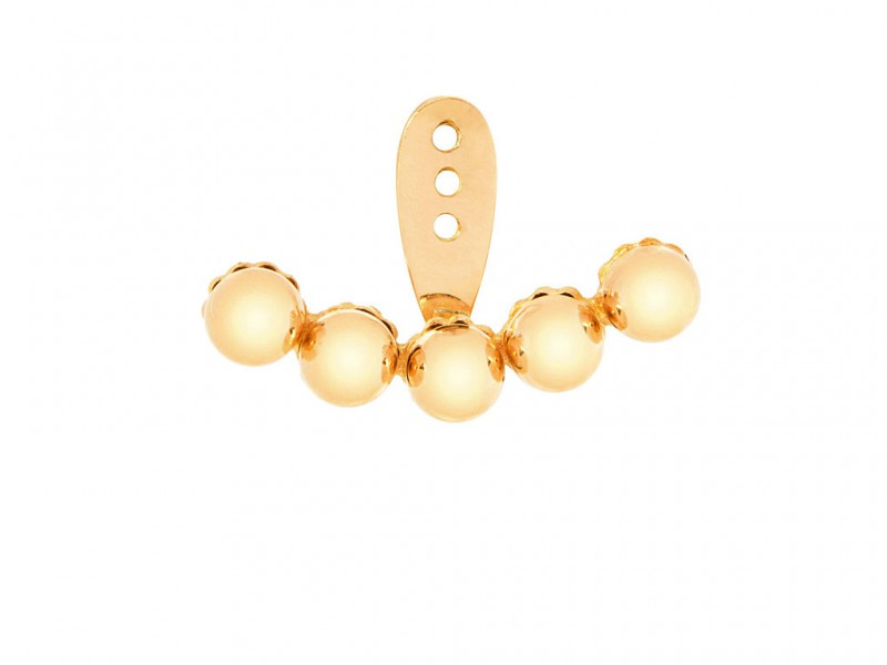 Yvonne Leon This ear jacket mounted on yellow gold with five yellow pearls is available at the Pop Up - CHF 790