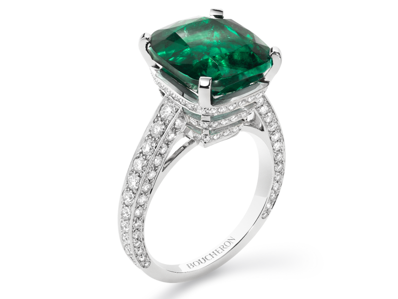 Boucheron 26 Vendôme ring set with a Colombian emerald paved with diamonds on white gold