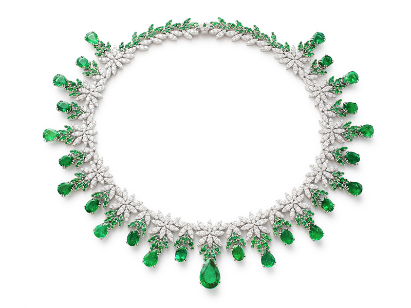 Pasquale Bruni Ghirlanda Elizabeth necklace mounted on white gold with emeralds and white diamonds