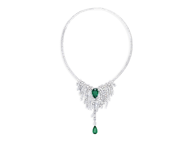 Piaget From Sunny Side of Life collection - Necklace set with two 7.17 and 4.35-carat pear-cut Colombian emeralds, surrounded by baguette and marquise-cut diamonds