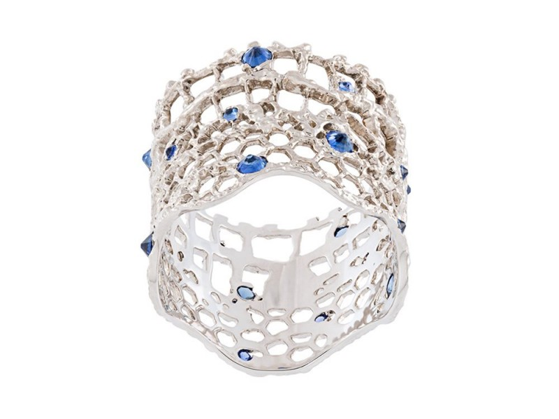 "Aurelie Bidermann ""Vintage lace"" ring mounted on white gold with sapphires ~ 3'330 Euros"