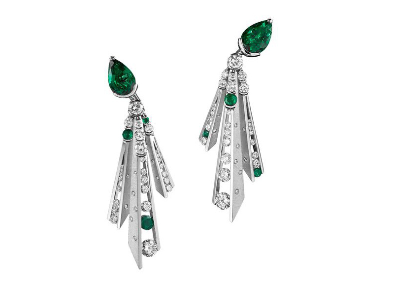 Alexandre Reza Dune emerald earrings mounted on white gold