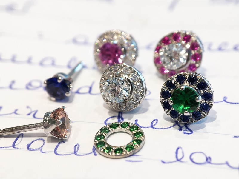 Ban Gem stones studs white gold