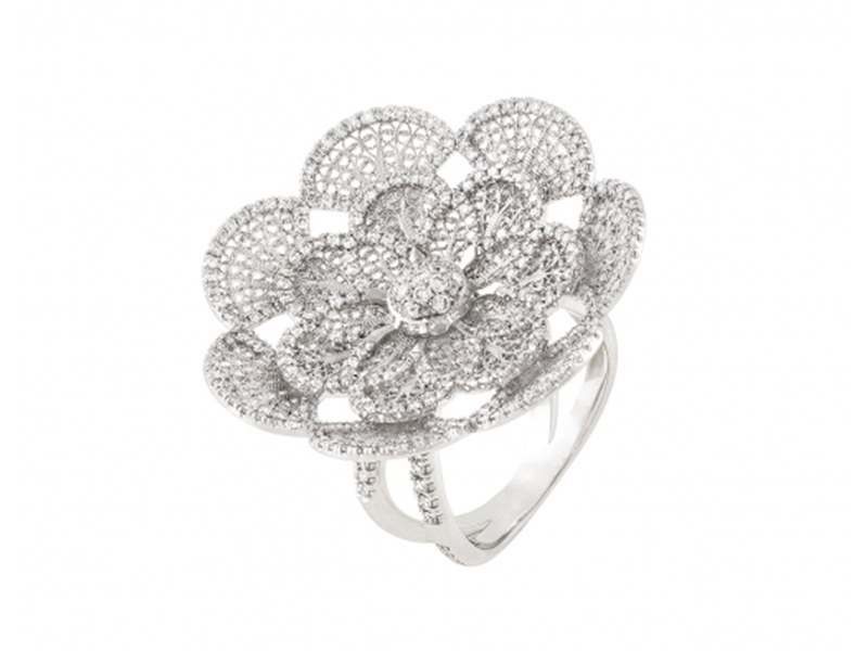 Eleuterio Ring blossom mounted on white gold with 297 diamonds is available at the Pop Up, CHF 9'350