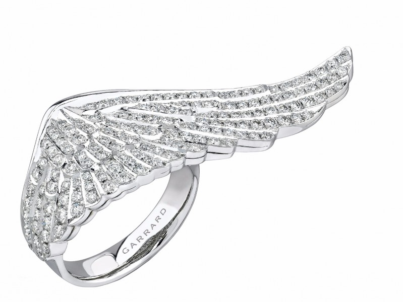 Garrard An 18 carat white gold large ring from the Wings collection, set with 1.28 cts round brilliant cut diamonds.