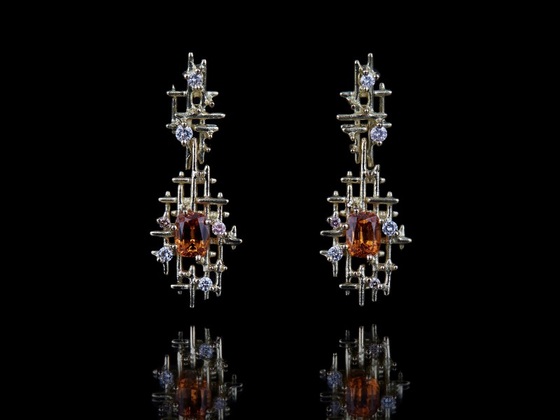 Guy & Max 3D printed jewelry earrings diamonds yellow gold