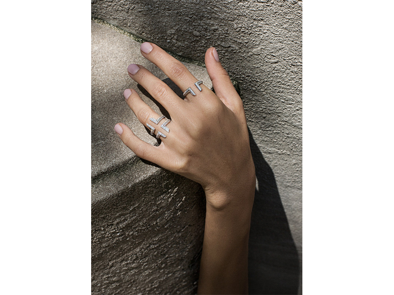 Ralph Masri From Phoenician Script collection - Ring mounted on white gold with diamonds