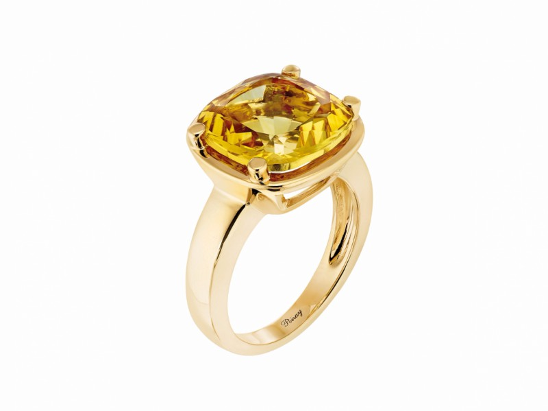 Poiray This filles antik ring mounted on yellow gold with citrine palmeira is available at the Pop Up - CHF 1'885
