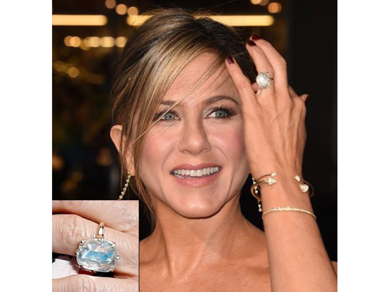 Jennifer Meyer Jennifer Aniston and Justin Theroux - 8-carat radiant-cut diamond